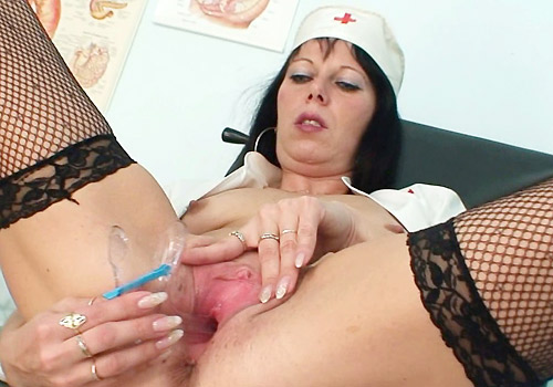 Mature medic fingering pussy with medicaltool