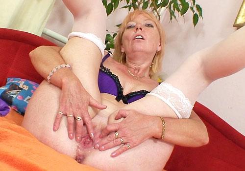 blondine in der hitze porno reife schwarzen strumpfhosen