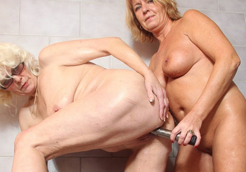 Blonde Oma reife Verlockung