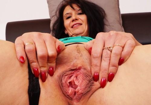 Espectáculo de webcam par ella comienza mientras él trabaja 5